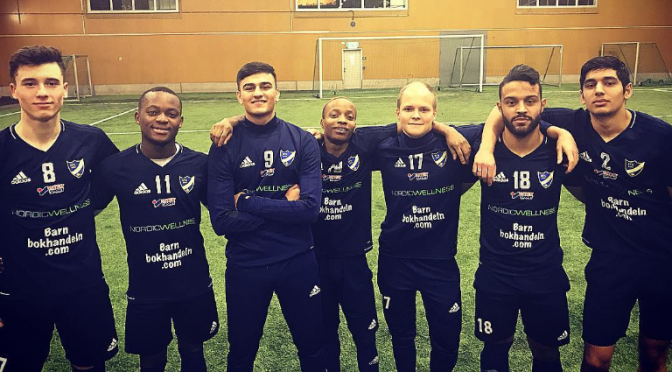 Sju U19-spelare till A-laget